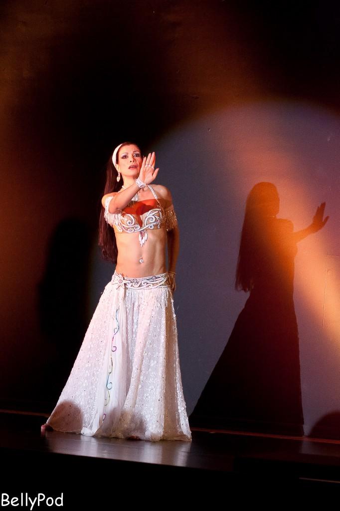 """Ein Tanz voller Emotionen - Djamila beim """"Club Bellydance"""" in Offenbach 2013."""