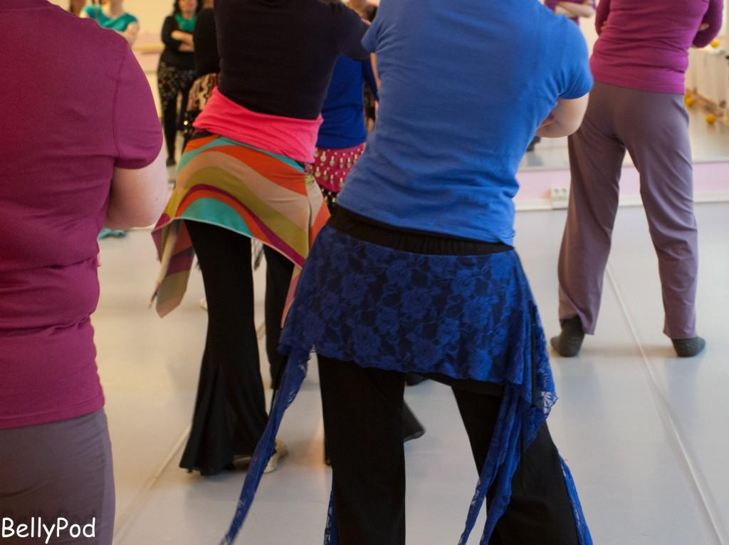 Tanztechnik ist mit etlichen Wiederholungen einer einzigen Bewegung verbunden, um den Bewegungsablauf zu automatisieren.