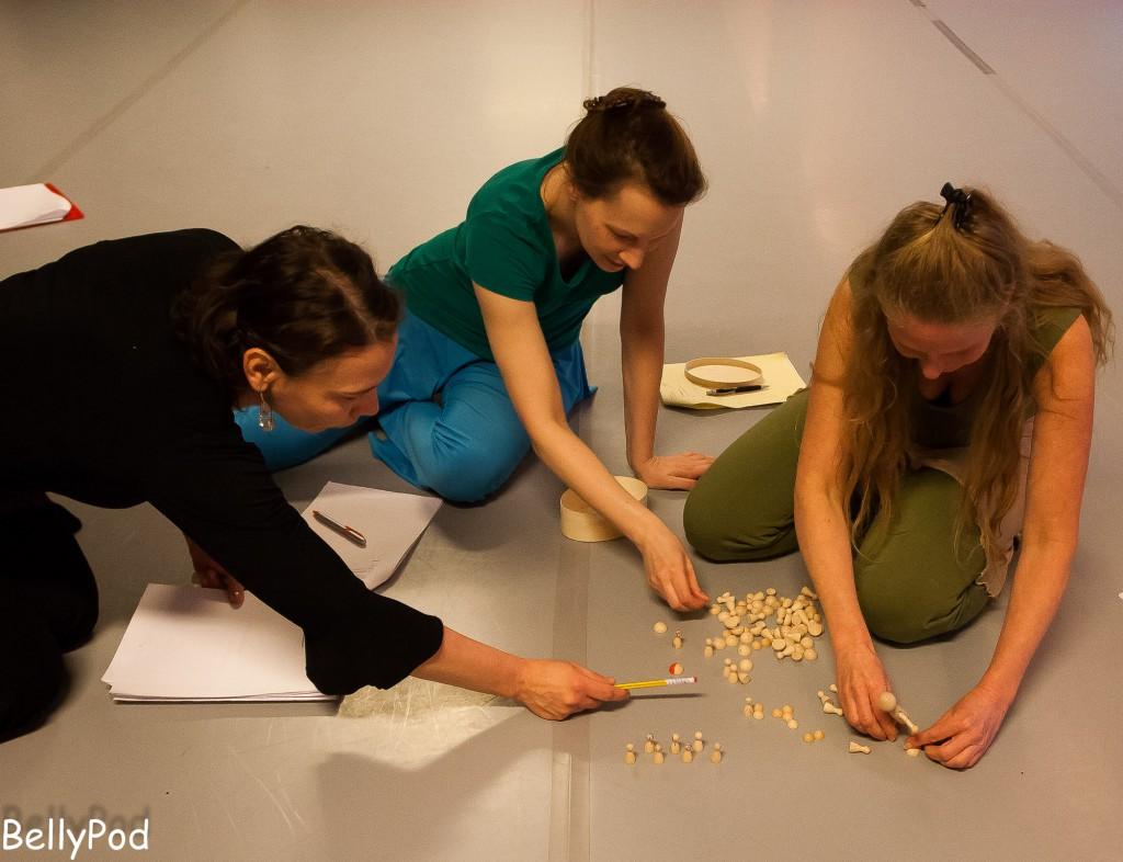 """Beim Workshop """"Choreografielehre und Improvisation"""" wurde das erworbene und bisherige Wissen direkt praktisch angewendet."""