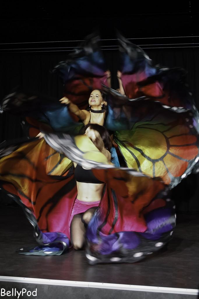 """Die """"Mirabesque Showgirls"""" mit einem wunderschönen Isis-Wings-Tanz."""